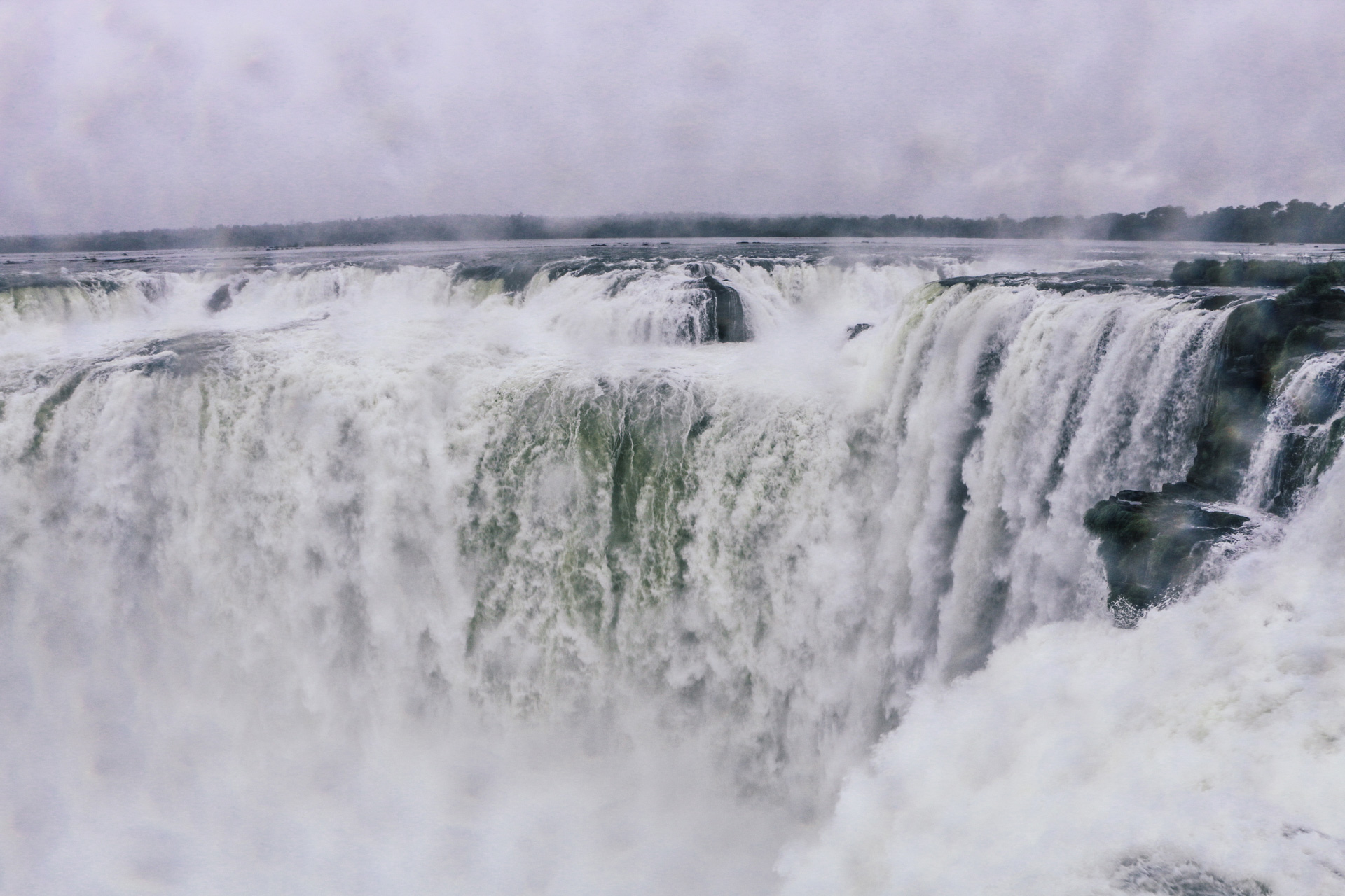 devils-throat-argentinian-side-iguacu-falls