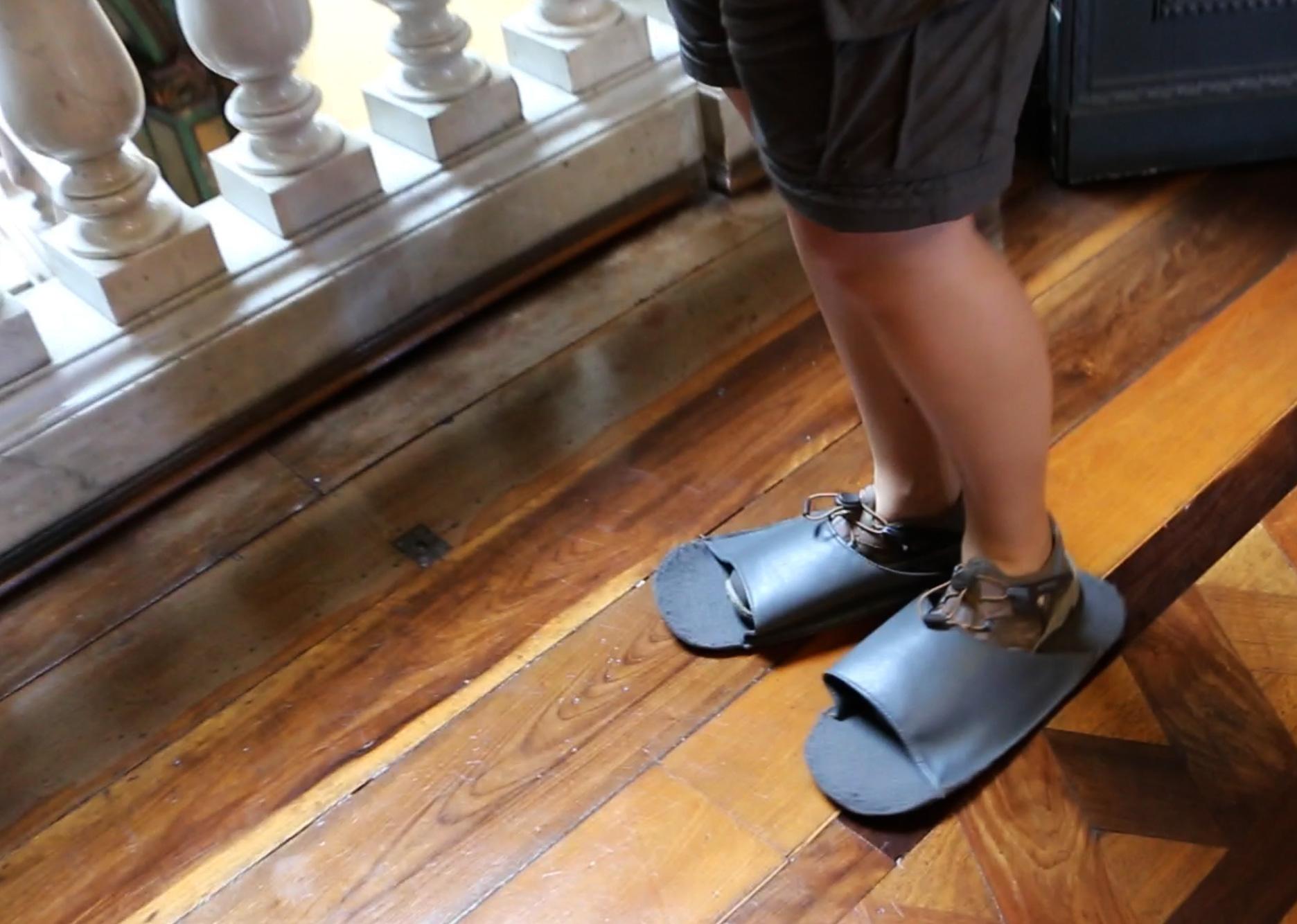polishing-shoes-floripa-museum
