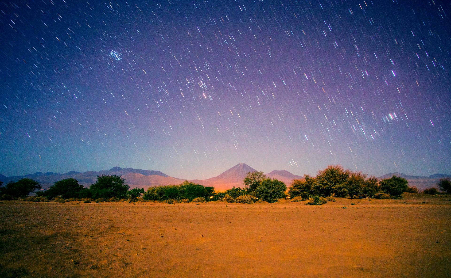 stargazing-atacama-desert-licancabur-olcano
