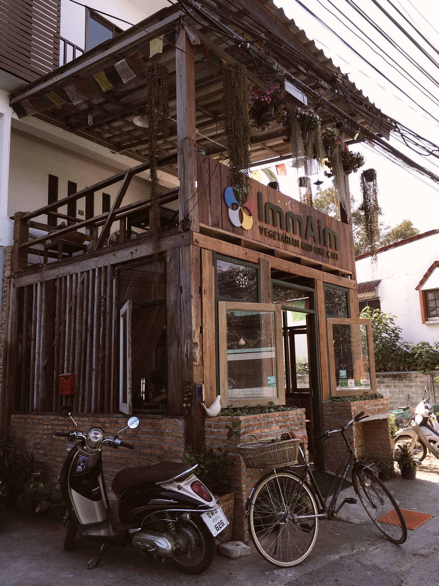 ImmAim vegetarian cafe Chiang Mai
