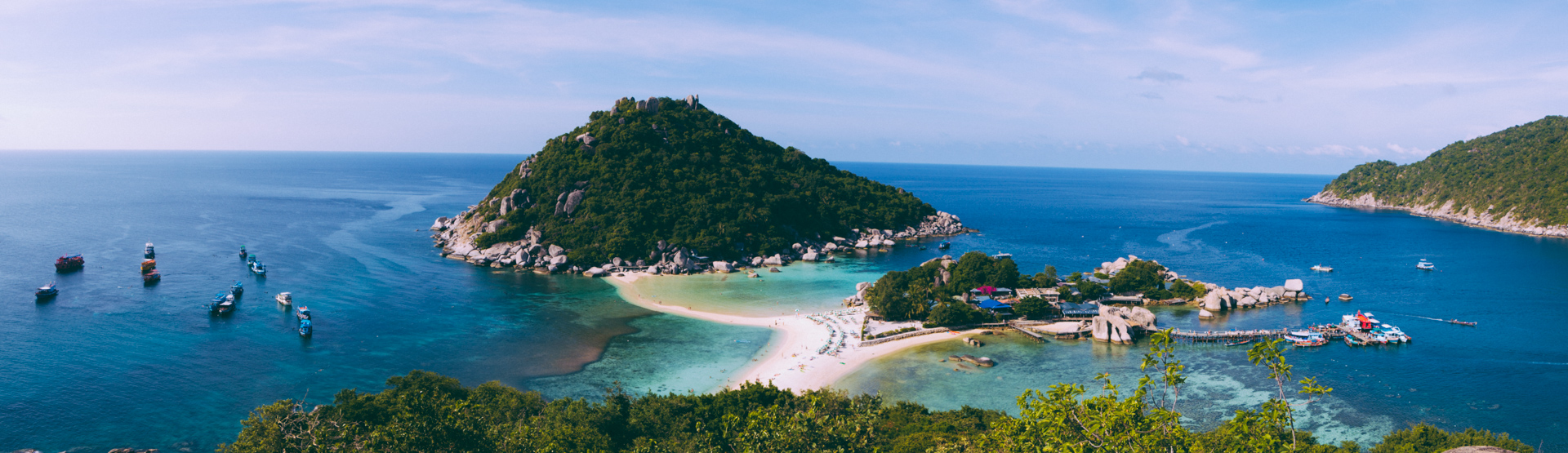 Koh Nang Yuan islands and beach in Koh Tao